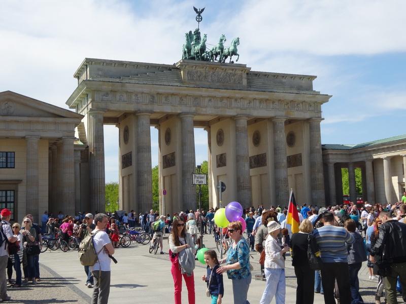 berliner-stadtrundfahrt-bundeshauptstadt-berlin